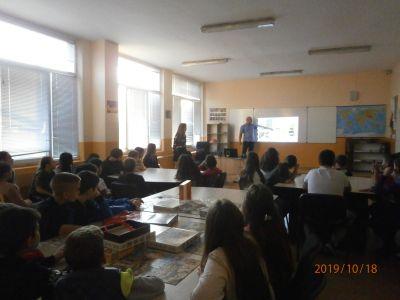 """Участие в семинар на тема """"Аз и пчелите"""" - Средно училище Отец Паисий, Куклен"""