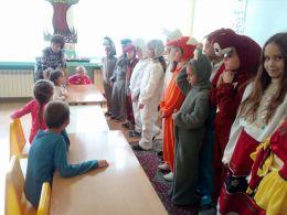 приказните герои на гости при ПГ - Средно училище Отец Паисий, Куклен