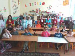 приказните герои на гости при ПГ 2 - Средно училище Отец Паисий, Куклен