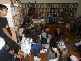 В библиотеката 8 - Средно училище Отец Паисий, Куклен