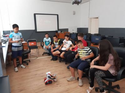 вп12 - Средно училище Отец Паисий, Куклен