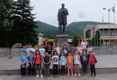 """Екскурзия на първите класове и втори """"а"""" клас - Средно училище Отец Паисий, Куклен"""