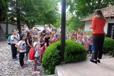 """Екскурзия на първите класове и втори """"а"""" клас 2 - Средно училище Отец Паисий, Куклен"""