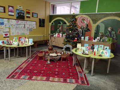 "Коледна и Новогодишна украса в СУ ""Отец Паисий"" - Средно училище Отец Паисий, Куклен"